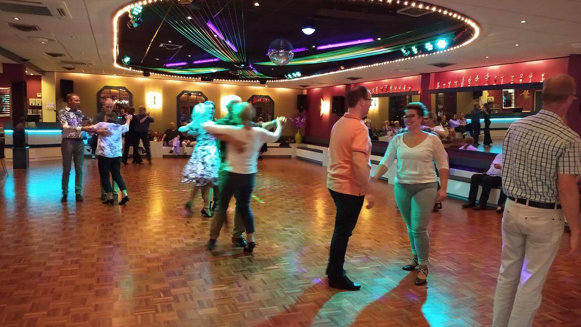 Bekijk het fotoalbum Dansavonden, Danscentrum Dwars, Haaksbergen